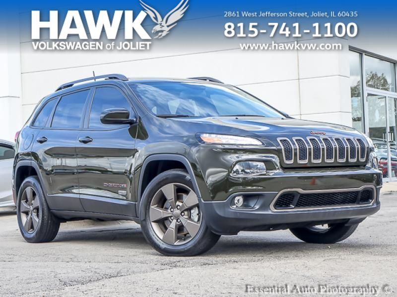 Pre-Owned 2017 Jeep Cherokee AWD Latitude